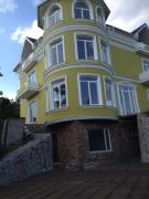 Beautiful house in Yalta, p. the rise of the total area of 500m2