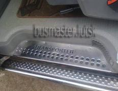 Chrome-lining Volkswagen T4 on the mirrors, handles, grille